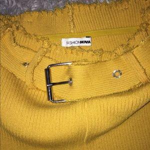 ❤️4 for $20❤️Fashion nova gold shorts with belt